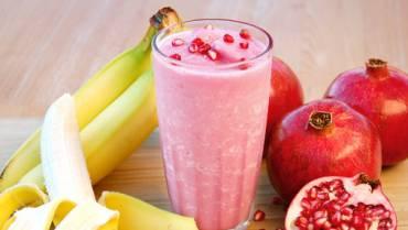 Smoothie: Banana, Milk & Pomegranate