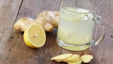 Detox Water: Ginger & Lemon