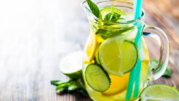 Detox Water: Cucumber & Lemon