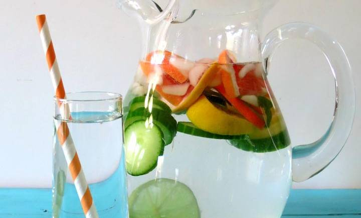 Detox Water: Cucumber & Grapefruit