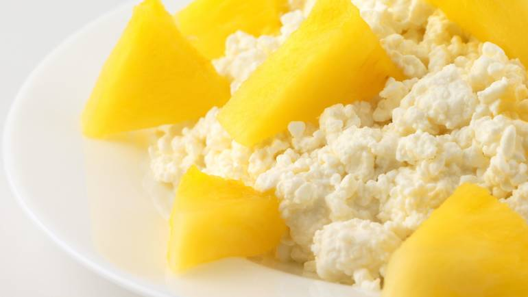 Snack: Cottage Cheese with Pineapple